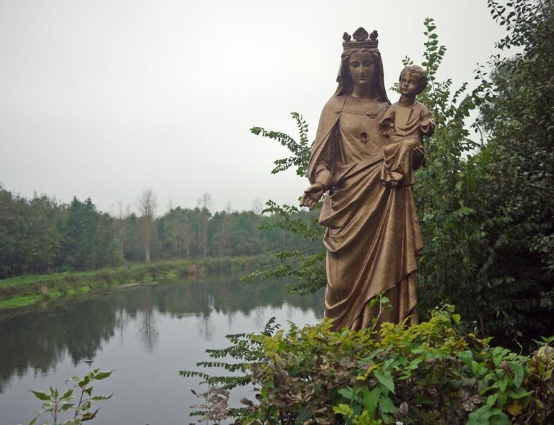 Vierge à l'Enfant sur le pont d'Épagne