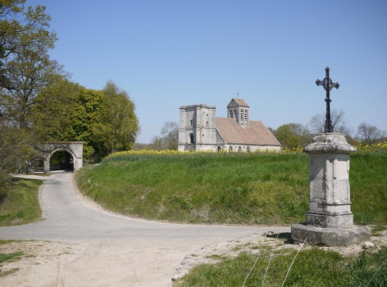 La vieille église de Nucourt