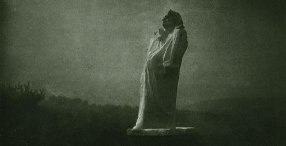 Edward Steichen – Balzac, vers la lumière, minuit (1908)