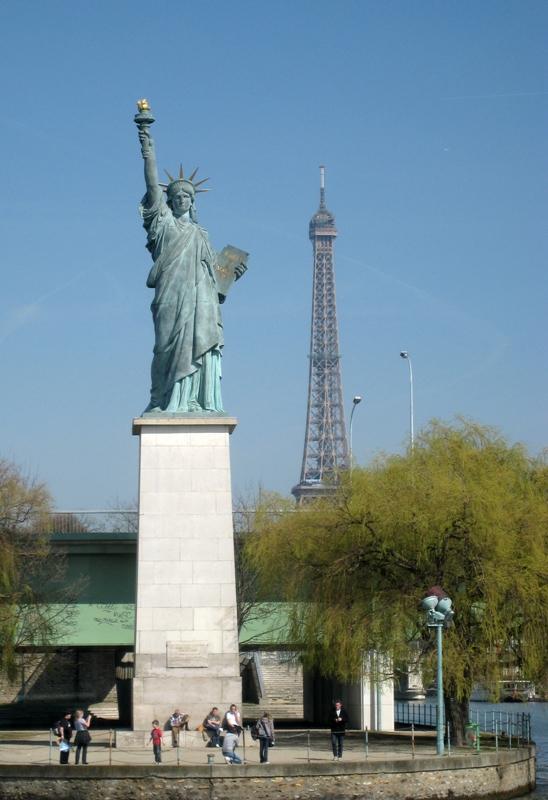 La Statue de la Liberté de l'île aux Cygnes